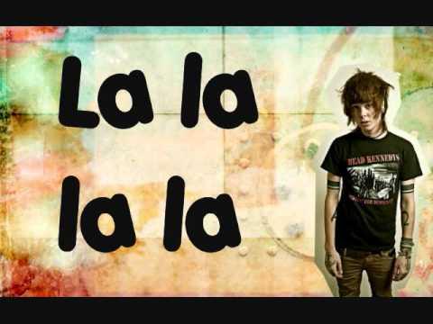 Smelyalata - Never Shout Never (Traducida al español)