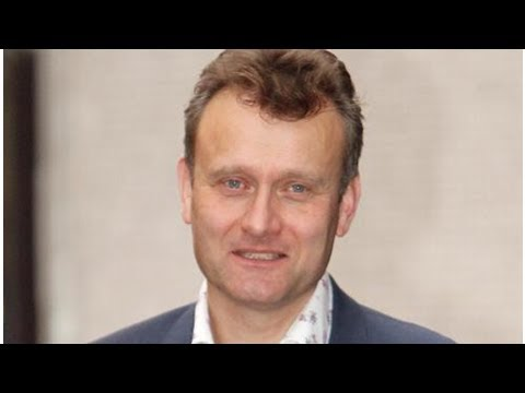 Hugh Dennis finds love with Outnumbered costar Claire Skinner