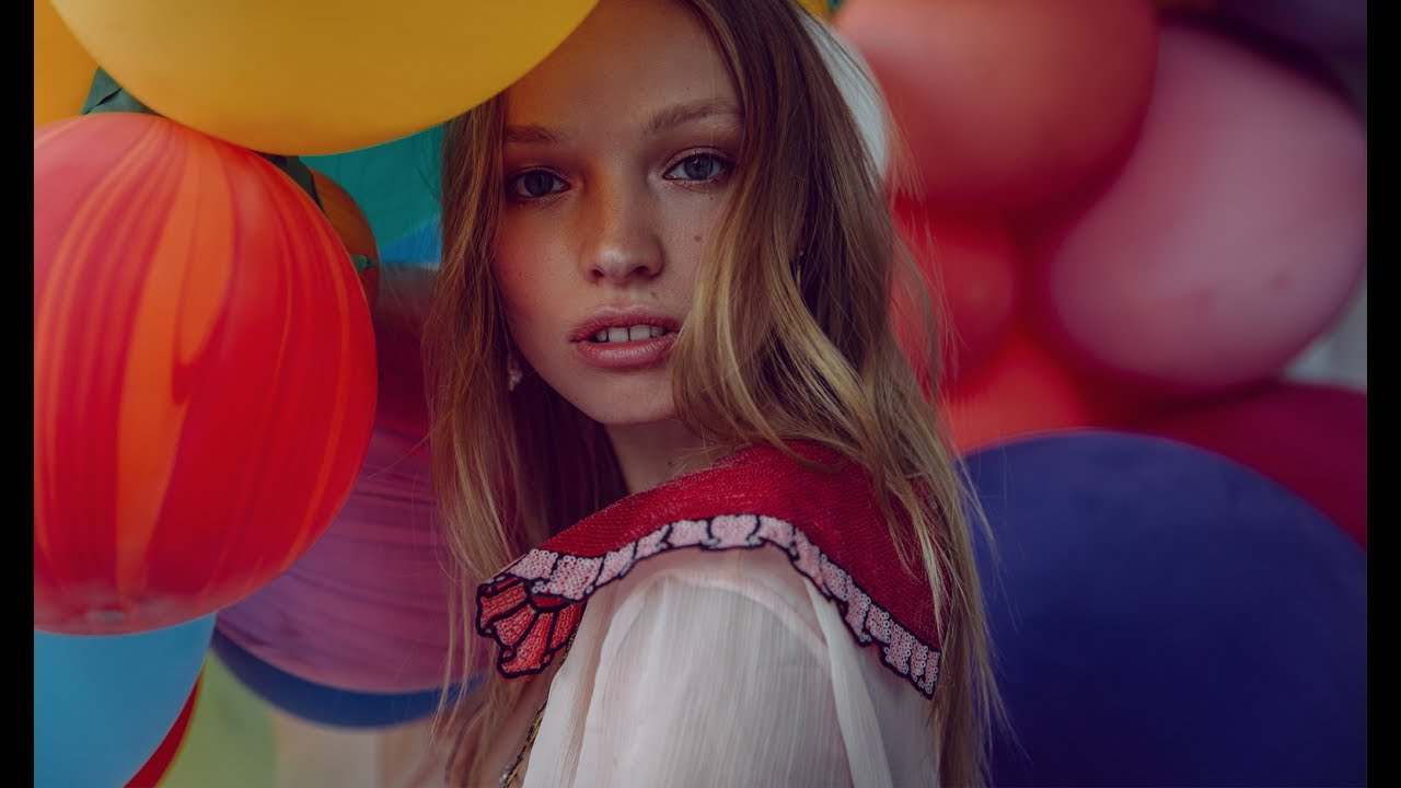 Photoshoot with balloons you guys its balloons tho for real