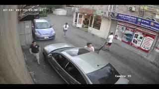 Կողոպուտ օրը ցերեկով  Ի՞նչ է արձանագրել փողոցի տեսախցիկը