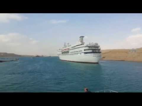 The first video from the near to the largest floating hotel Suez Canal new April 6, 2015