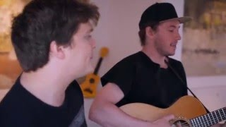 Jamie MacDowell and Tom Thum - Feet To Floor (acoustic) | Småll Sessions
