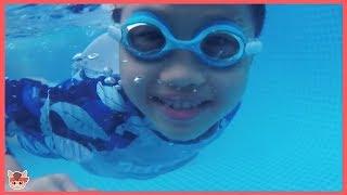 워터파크 미끄럼틀 타고 수영장 워터슬라이드 놀이 Lean Colors with Water Slide in Swimming Song | 말이야와아이들 MariAndKids