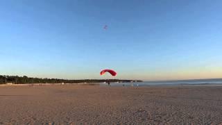 Parachutistes sur la Grande plage de Saint-Georges-de-Didonne