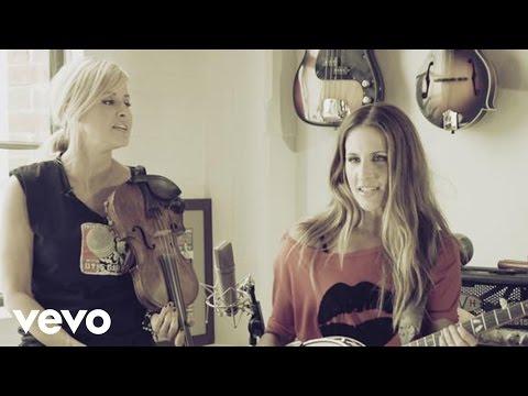 Court Yard Hounds - Sunshine (Live Acoustic) mp3