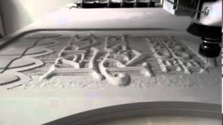 Machine de bois de coupe à l'aide de l'ordinateur - multicam CNC Fraise