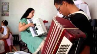 Hino ccb 69 dueto de acordeon.wmv