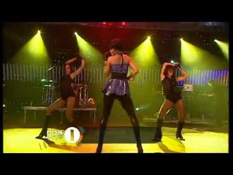 (HD) Rihanna - Break It Off - Live @Bbc Radio One's Big Weekend