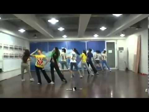 Girls' Generation (SNSD) - Genie Demo Version (I Just Wanna Wish) at SM Practice Room Jun 8, 2009