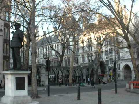 St. Clement Danes, London. The bells ring