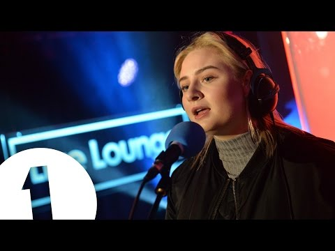 Lapsley covers Zayn's Pillowtalk in the Live Lounge