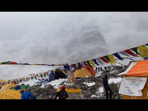 Hit by Avalanche in Everest Basecamp 25.04.2015 video
