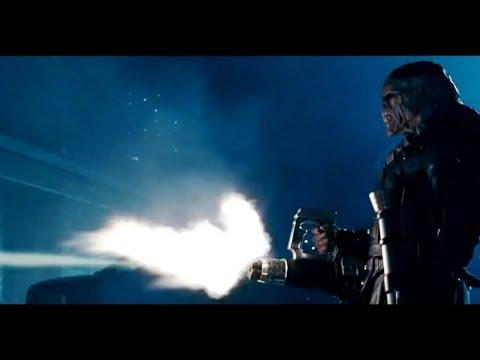 Монстр нападает на звездный отряд (Обитель зла 2 Апокалипсис 2004) 1080