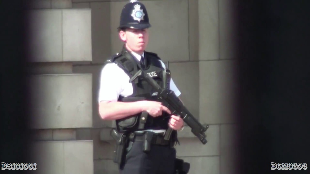 British Police Officer with MP5A3 submachine gun - YouTube