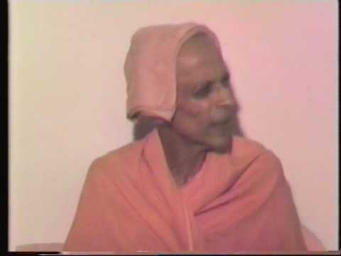 Swami Chidananda talks about how Swami Sivananda and himself met Ma Anandamayi