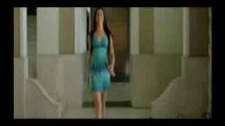 Deepika Padukone HOT Kissing Scene