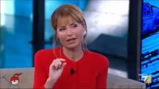 La giornalista e scrittrice presenta il suo libro tempesta racconta cosa ne pensa del clima di intolleranza in italia, dell'ascesa della destra europa, ...