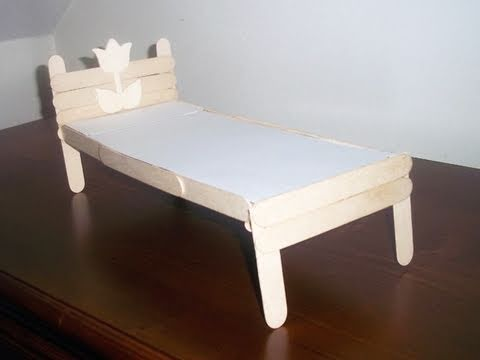 How to make a recycled popscicle stick bed for your - Manualidades con muebles ...