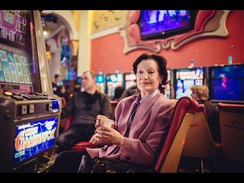 rossiyskaya-pensionerka-organizovala-podpolnoe-kazino-na-domu