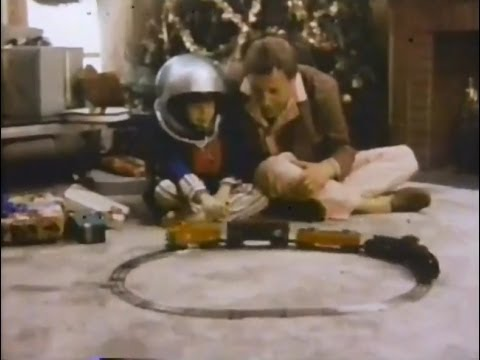 Lionel Trains 'Christmas Tradition' Commercial (1979)