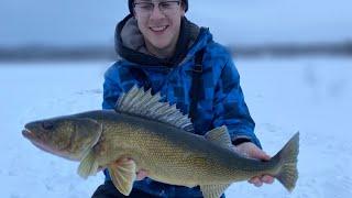 We did it GIANT WALLEYE REVENGE Ice Fishing Northern Ontario Walleye