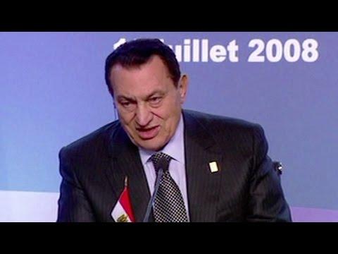 El expresidente egipcio Hosni Mubarak queda libre