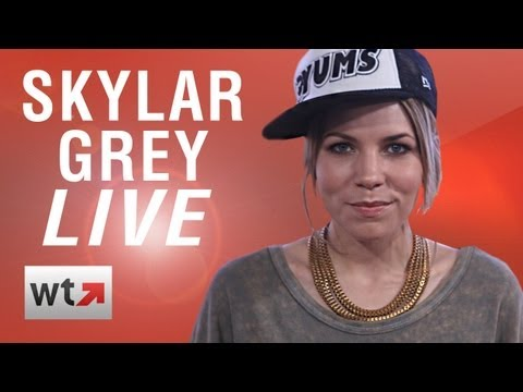 """Skylar Grey Performs """"Wear Me Out"""" LIVE And Answers Fan Questions"""