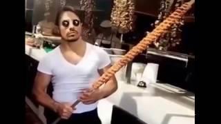 Турецкий повар-мачо готовит мясо. Турецкий мачо мясник | Nusret instagram videos