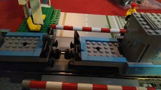 Lepin train 21006 similar to Lego 10219 Maersk ? ... Video of Lepin train running