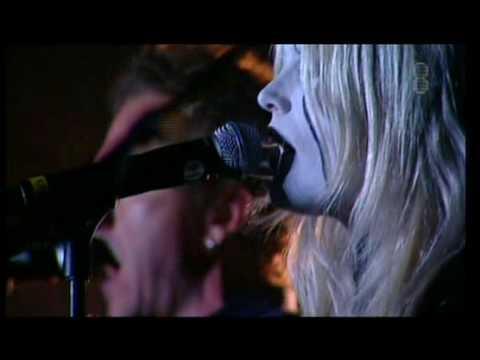 dEUS - Slow (live with Karin Dreijer Andersson) Pukkelpop 21/08/2009