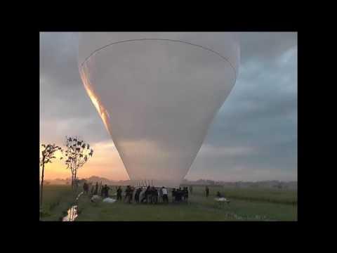 Tradisi balon sumoroto bantarangin 2017