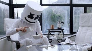 Смотреть клип Marshmello - Keep It Mello Feat. Omar Linx
