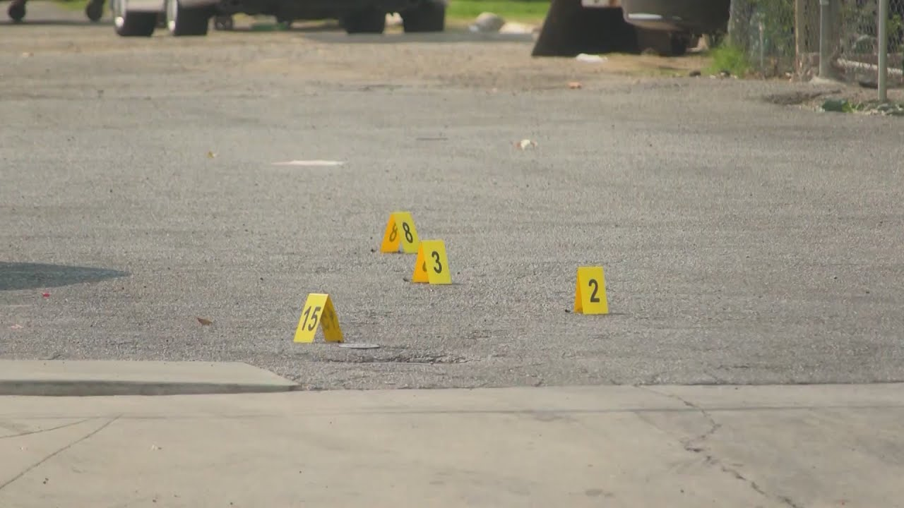 Eyewitness News Authorities investigate back-to-back shootings in Fresno, city's 28th homicide