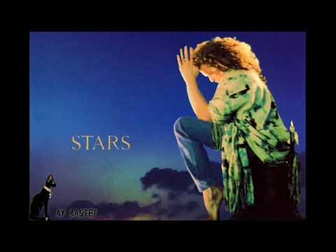 07.  Model -  Stars -  Simply Red