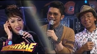Vice Ganda welcomes Vhong Navarro via long distance phone call