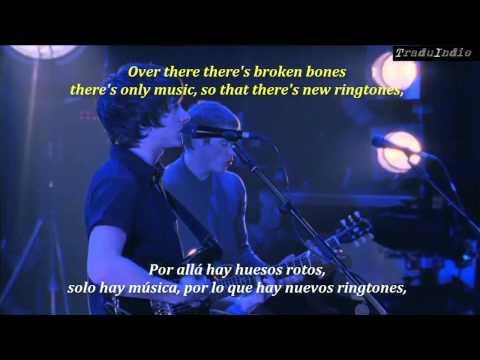 Arctic Monkeys- A certain romance (inglés y español)