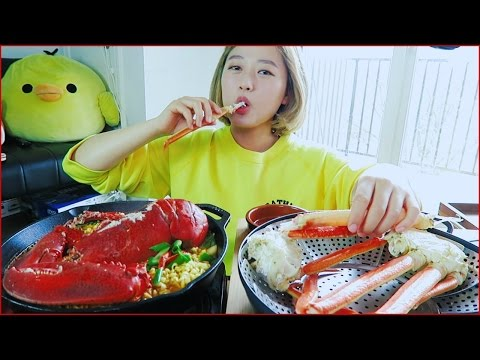I'M BACK! [Lobster Ramen + Snow Crab] Mukbang thumbnail
