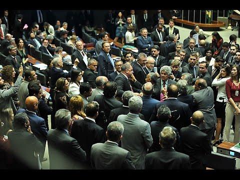 Câmara rejeita urgência para a reforma trabalhista