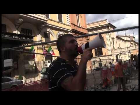 Casapound blitz a sede parlamento europeo in solidarieta for Sede parlamento roma
