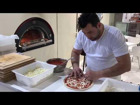 Come fare e cucinare la pizza ...