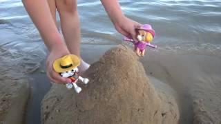 Щенячий патруль. Мультфильм для детей - Скай и Маршал играют в воде.