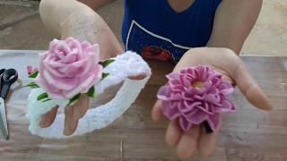 Faça Dois Enfeites de Cabelo Com Flores de E.V.A