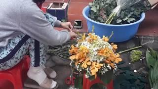 Cắm hoa-Cẩm tú kết hợp lan Mokara và salem để bàn đám cưới