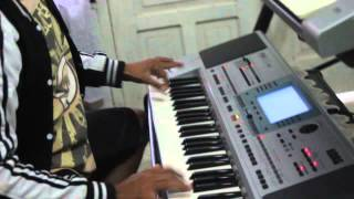 Canon Rock Keyboard korg pa 50 sd vs KN 2400