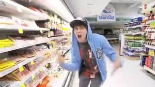Джим Керри  пародия на Бибера  Jim Carrey parody of Bieber(Джим Керри отжигает))) пародия на Бибера XD : ) песня Eenie Meenie Автор: aleks (aleks-оригенал не джим керри), 2011-03-02T23:34:56.000Z)
