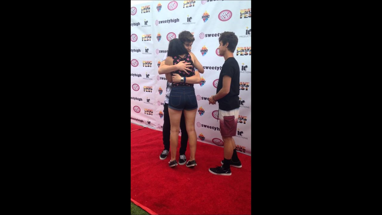 Meeting cameron dallas and nash grier at brave fest youtube m4hsunfo