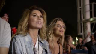 Shania Twain Stops by the You Look Good World Tour YouTube Videos