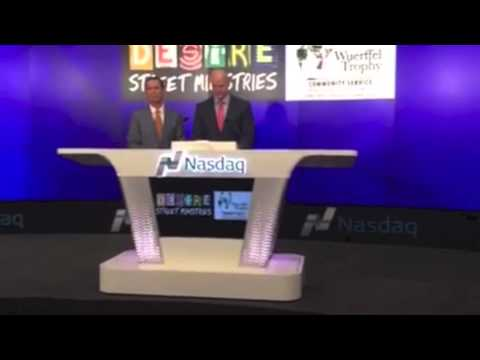 Danny Wuerffel rings the NASDAQ Closing Bell