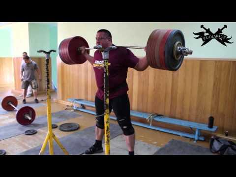 Mikhail Koklyaev squats 270 kg 5x5