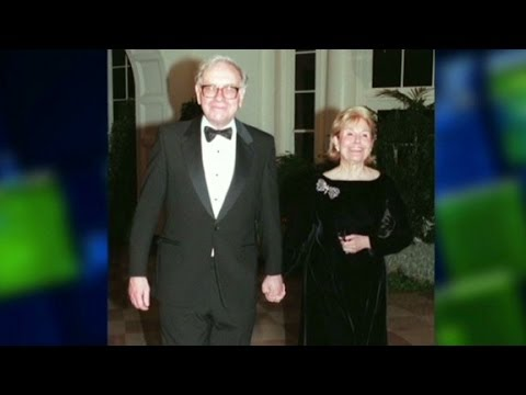 Buffett on late wife: She put me together